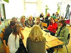 Diskussionen beim World Café. Stadt Oldenburg