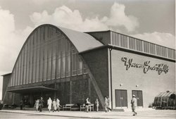 Die Oldenburger Weser-Ems-Halle um 1955.